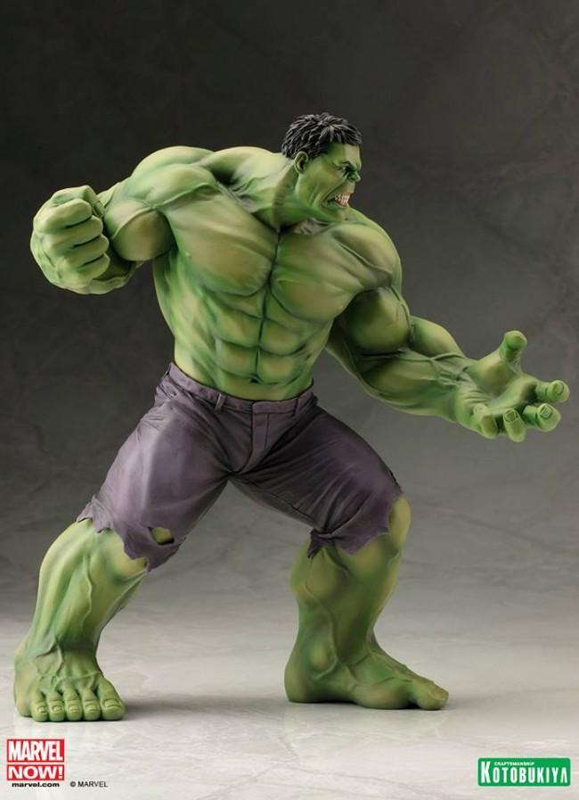 系列的绿巨人雕像