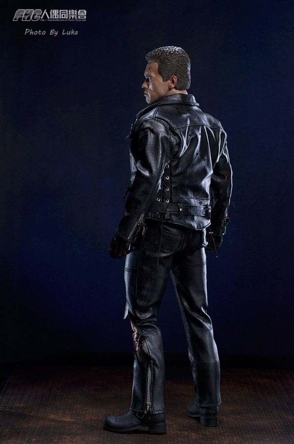 hottoys-dx13-t800b-002