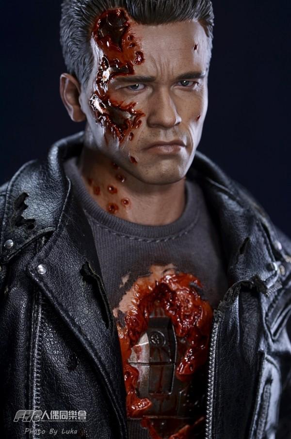 hottoys-dx13-t800b-007
