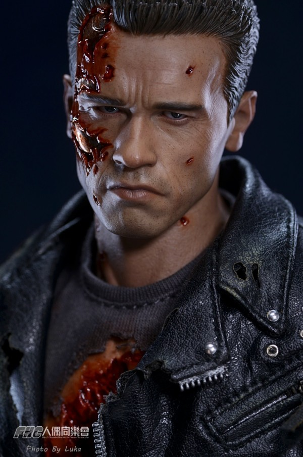 hottoys-dx13-t800b-008