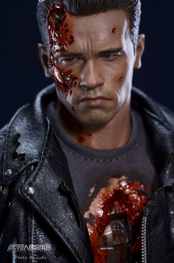 hottoys-dx13-t800b-009
