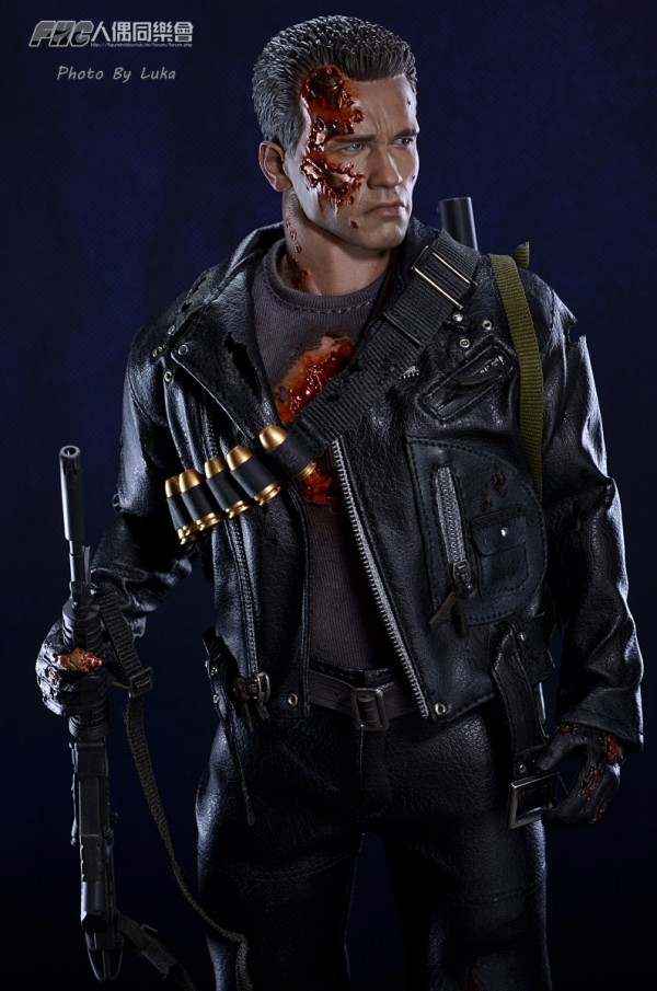 hottoys-dx13-t800b-021