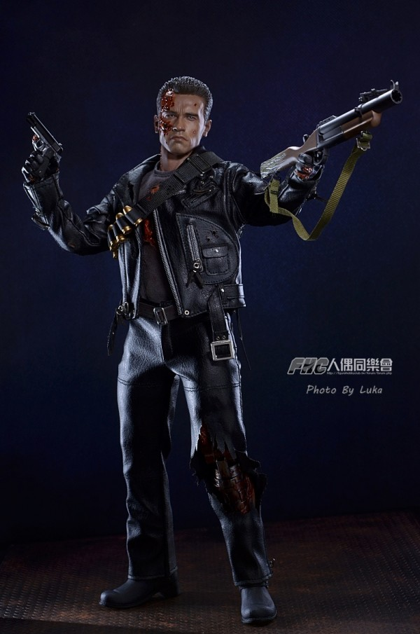 hottoys-dx13-t800b-023