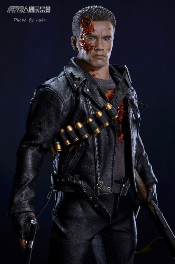 hottoys-dx13-t800b-027