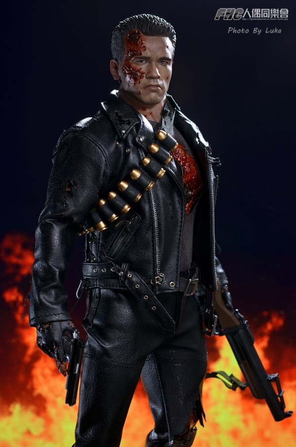 hottoys-dx13-t800b-028