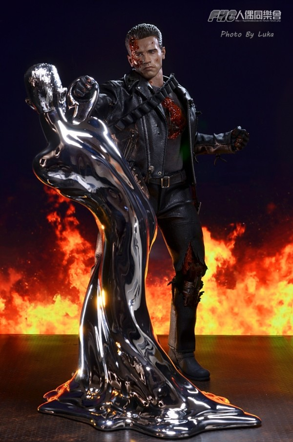 hottoys-dx13-t800b-033