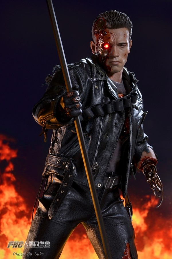 hottoys-dx13-t800b-040