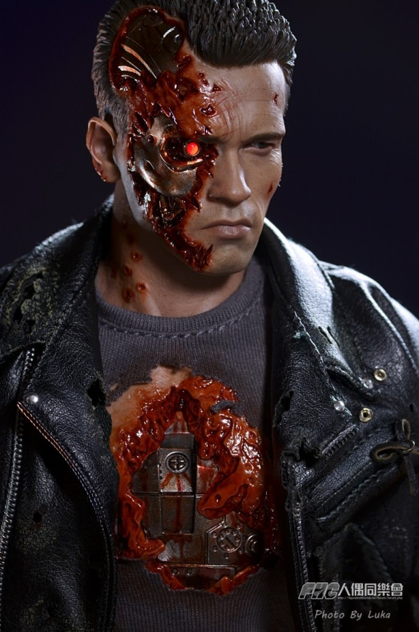 hottoys-dx13-t800b-050