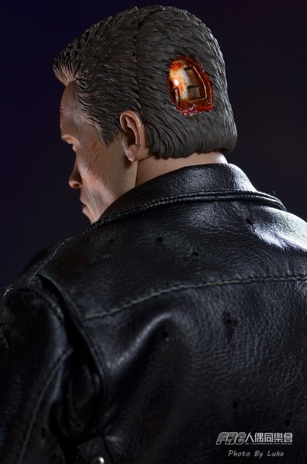 hottoys-dx13-t800b-052