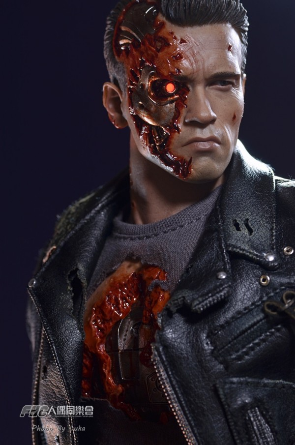 hottoys-dx13-t800b-054