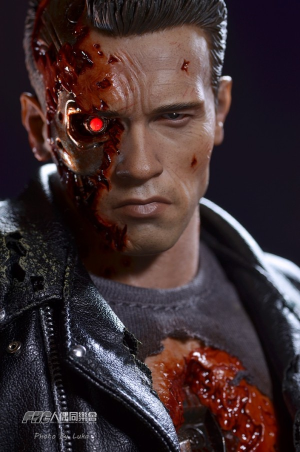 hottoys-dx13-t800b-056