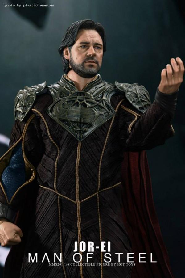 hottoys-superman-joeel-001