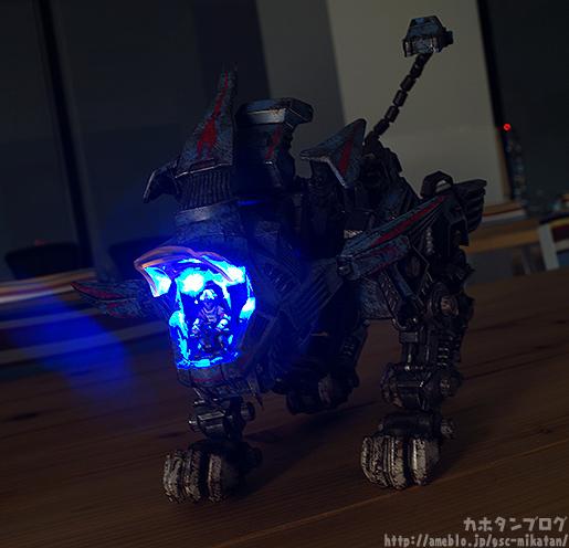 threezero-shield-lion-010