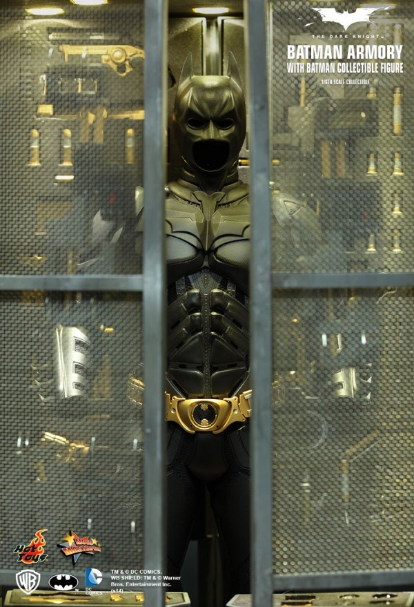 hottoys-batman-armory-001