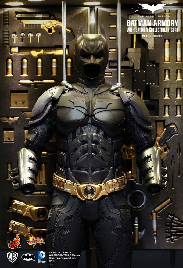hottoys-batman-armory-002