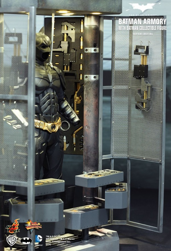 hottoys-batman-armory-004