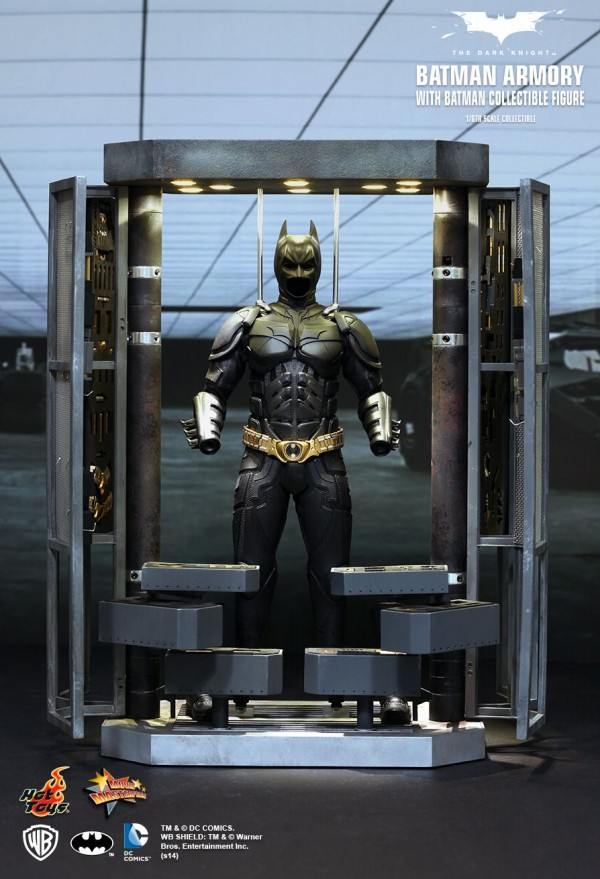 hottoys-batman-armory