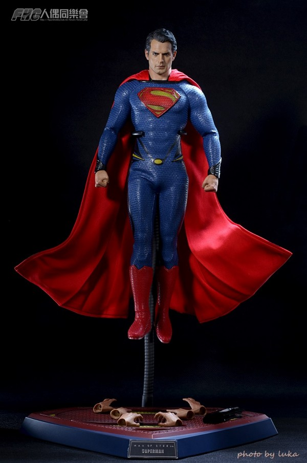 hottoys-superman-luka-004