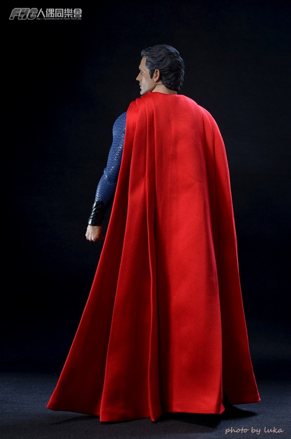 hottoys-superman-luka-008