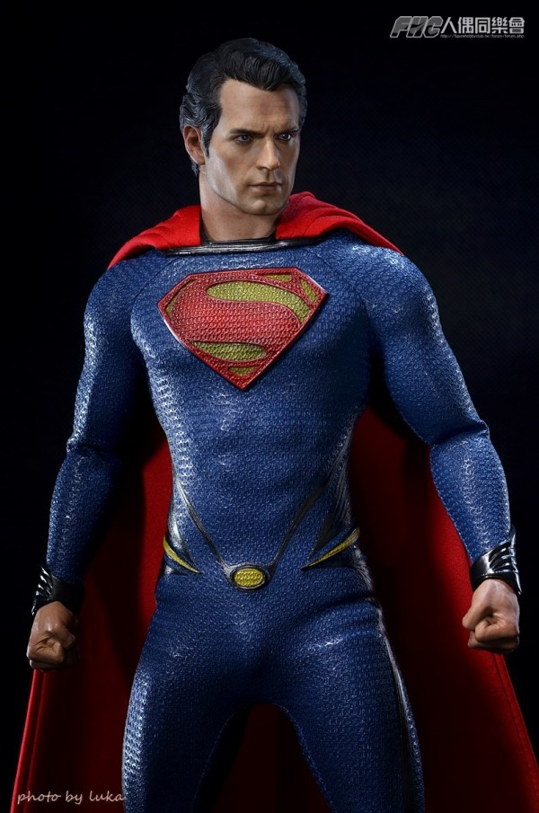 hottoys-superman-luka-010
