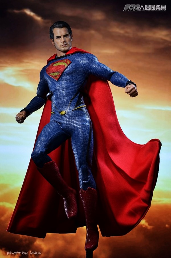 hottoys-superman-luka-014