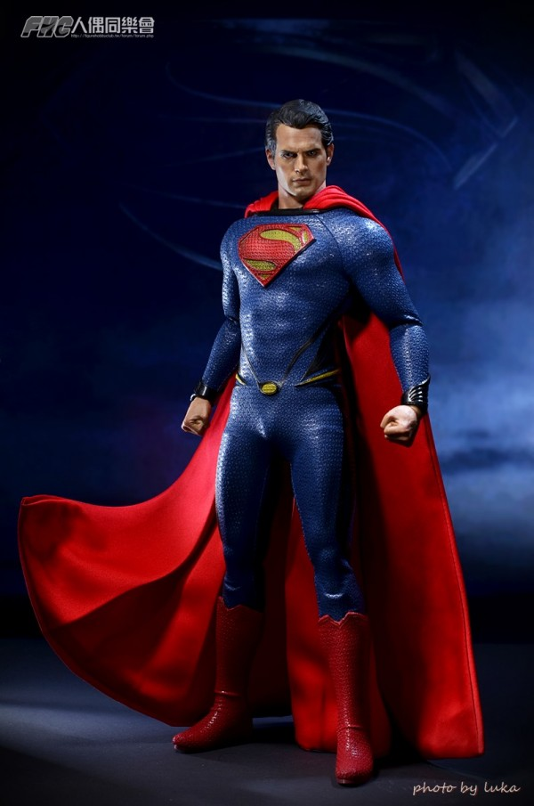 hottoys-superman-luka-015