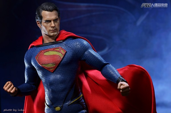 hottoys-superman-luka-016