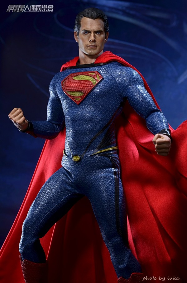 hottoys-superman-luka-017