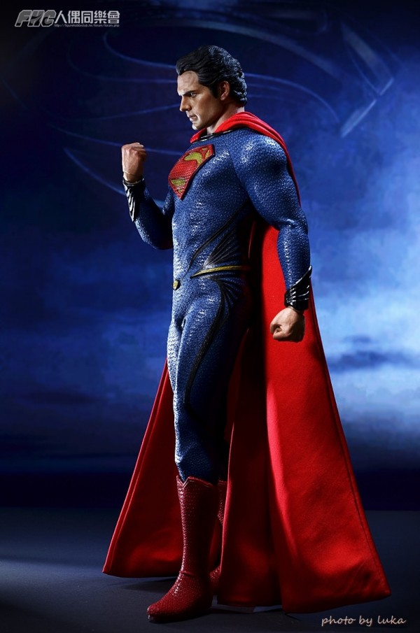 hottoys-superman-luka-018