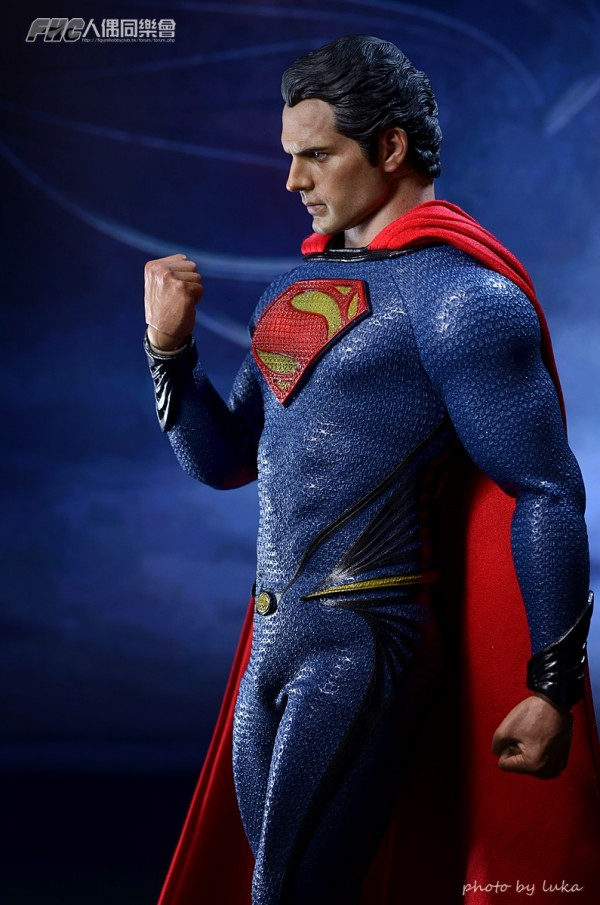 hottoys-superman-luka-019