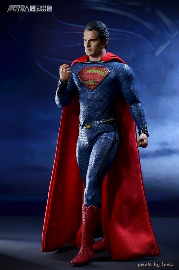 hottoys-superman-luka-020