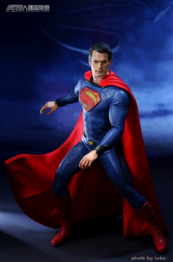 hottoys-superman-luka-021