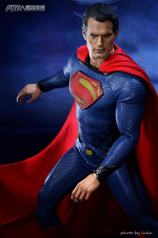 hottoys-superman-luka-022