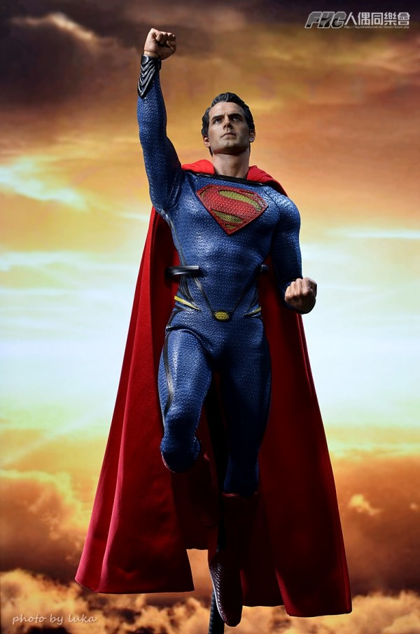 hottoys-superman-luka-023