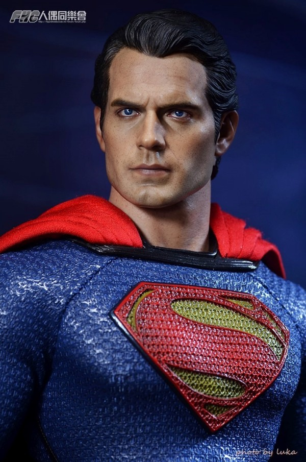 hottoys-superman-luka-024