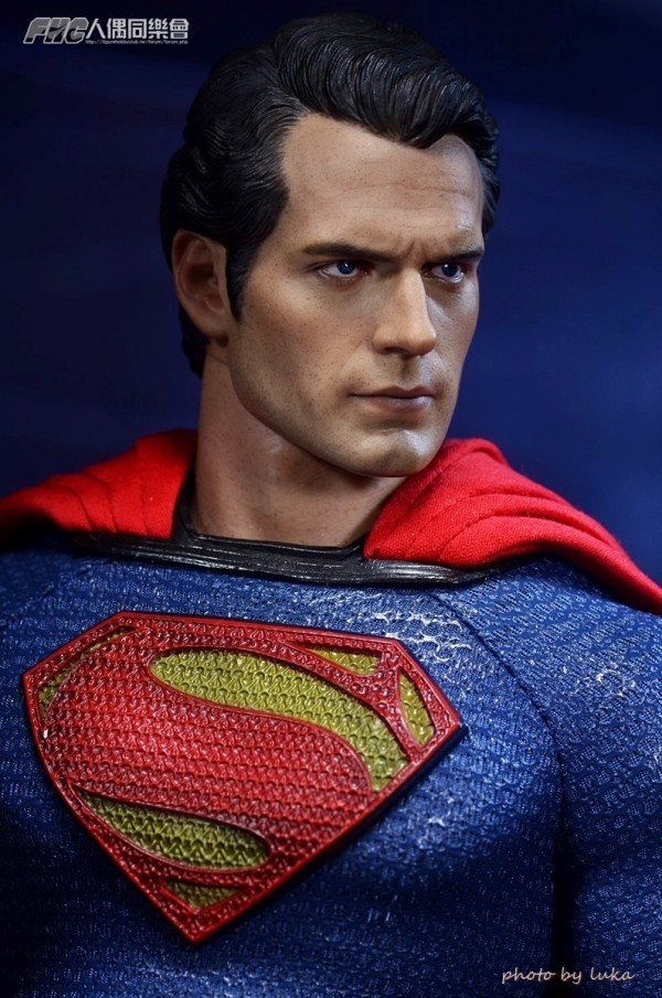 hottoys-superman-luka-025