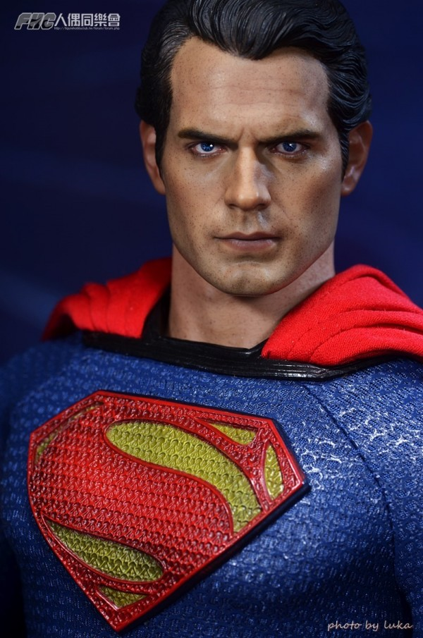 hottoys-superman-luka-026
