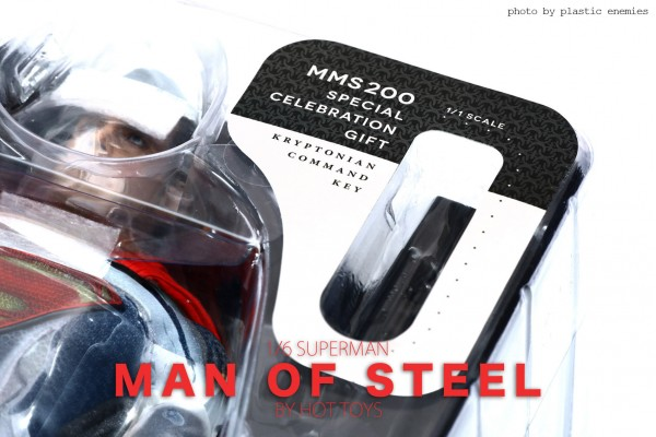 hottoys-superman-plastic-002