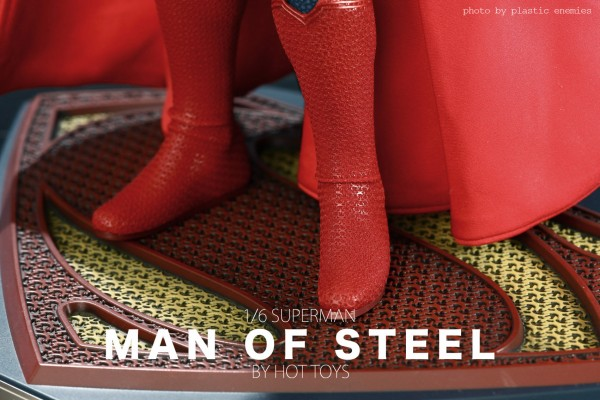 hottoys-superman-plastic-003