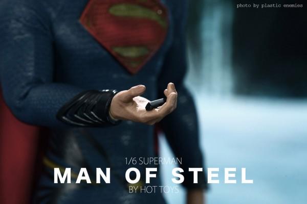 hottoys-superman-plastic-005