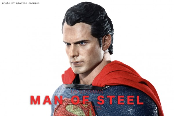 hottoys-superman-plastic-011