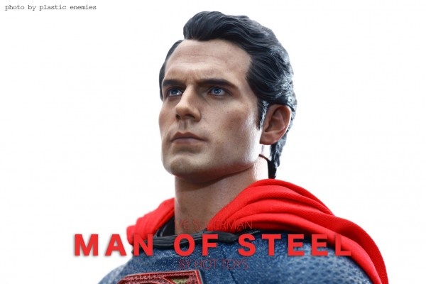 hottoys-superman-plastic-014