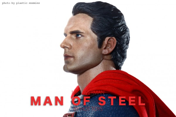 hottoys-superman-plastic-015