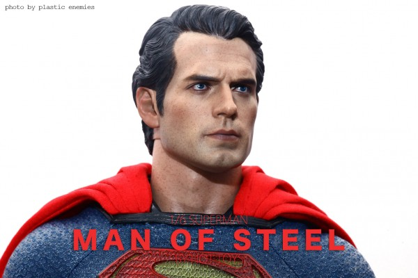 hottoys-superman-plastic-016