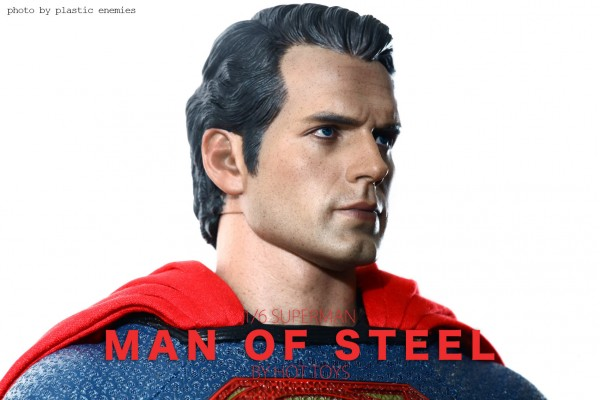 hottoys-superman-plastic-019