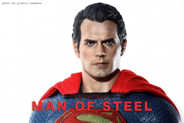 hottoys-superman-plastic-020