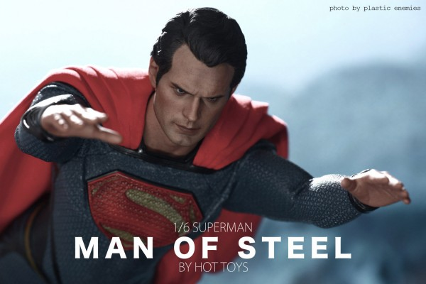 hottoys-superman-plastic-029