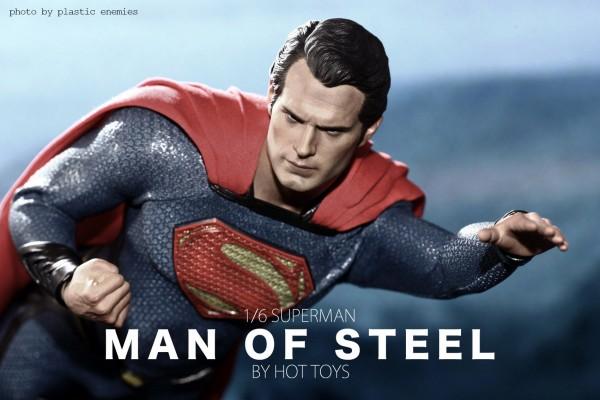 hottoys-superman-plastic-030