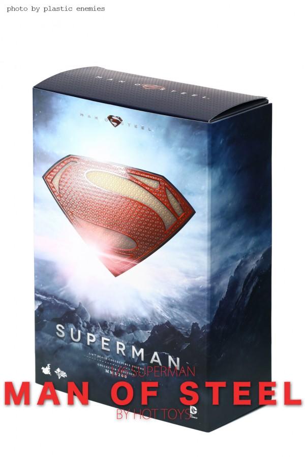 hottoys-superman-plastic