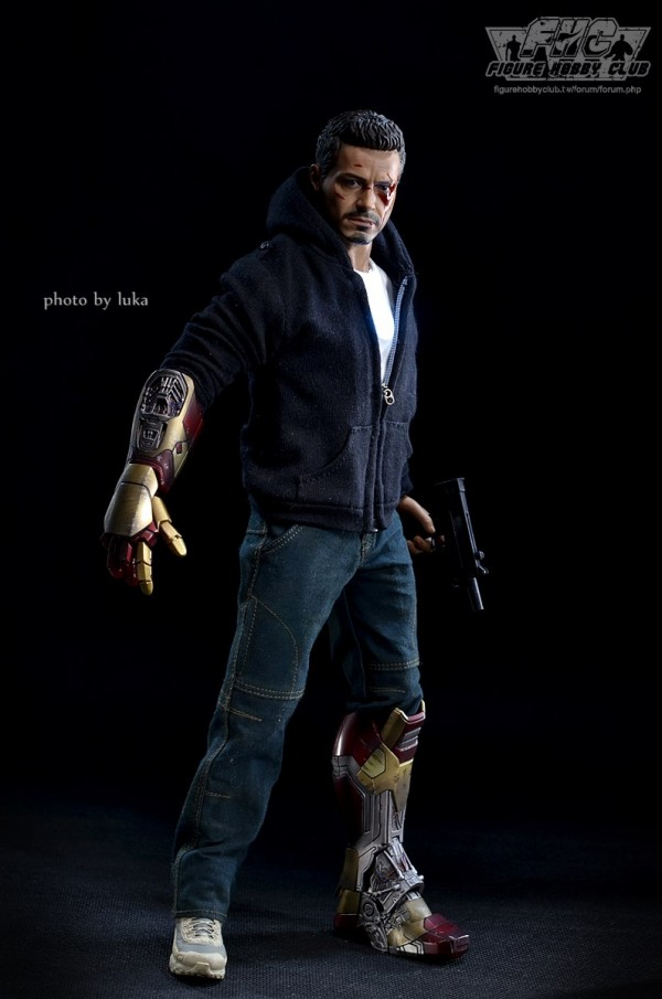 hottoys-tony-stealth-luka-020